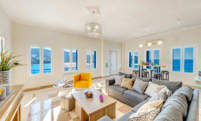 Οι top20 παραθαλάσσιες κατοικίες για διακοπές στη Σύρο